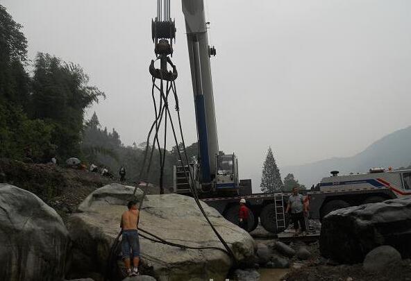 温州景区吊车施工现场